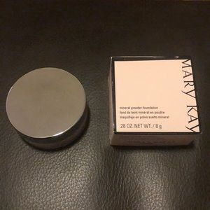 Mary Kay Mineral Powder Foundation - Beige 0.5